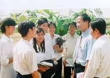 Dr Tong with students