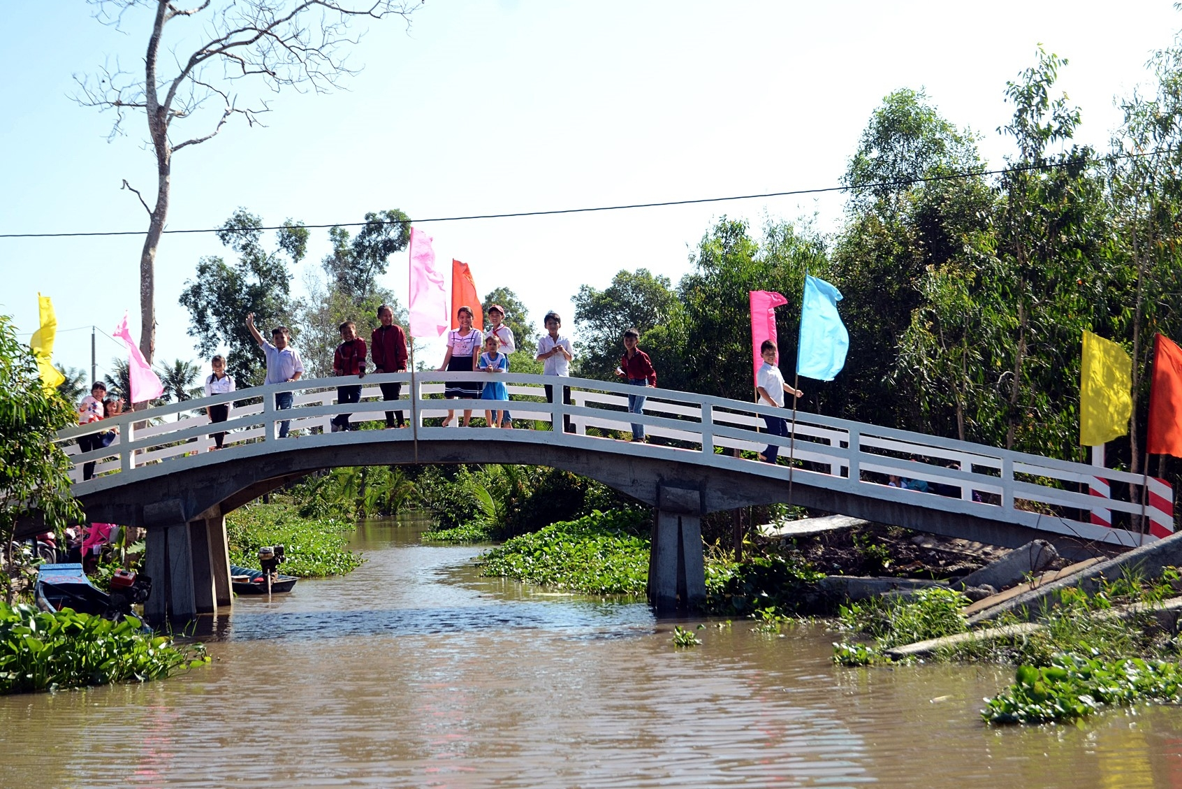The new 5-tonne, 30 m concrete bridge, opened in 2019, has transformed the life of local villagers…
