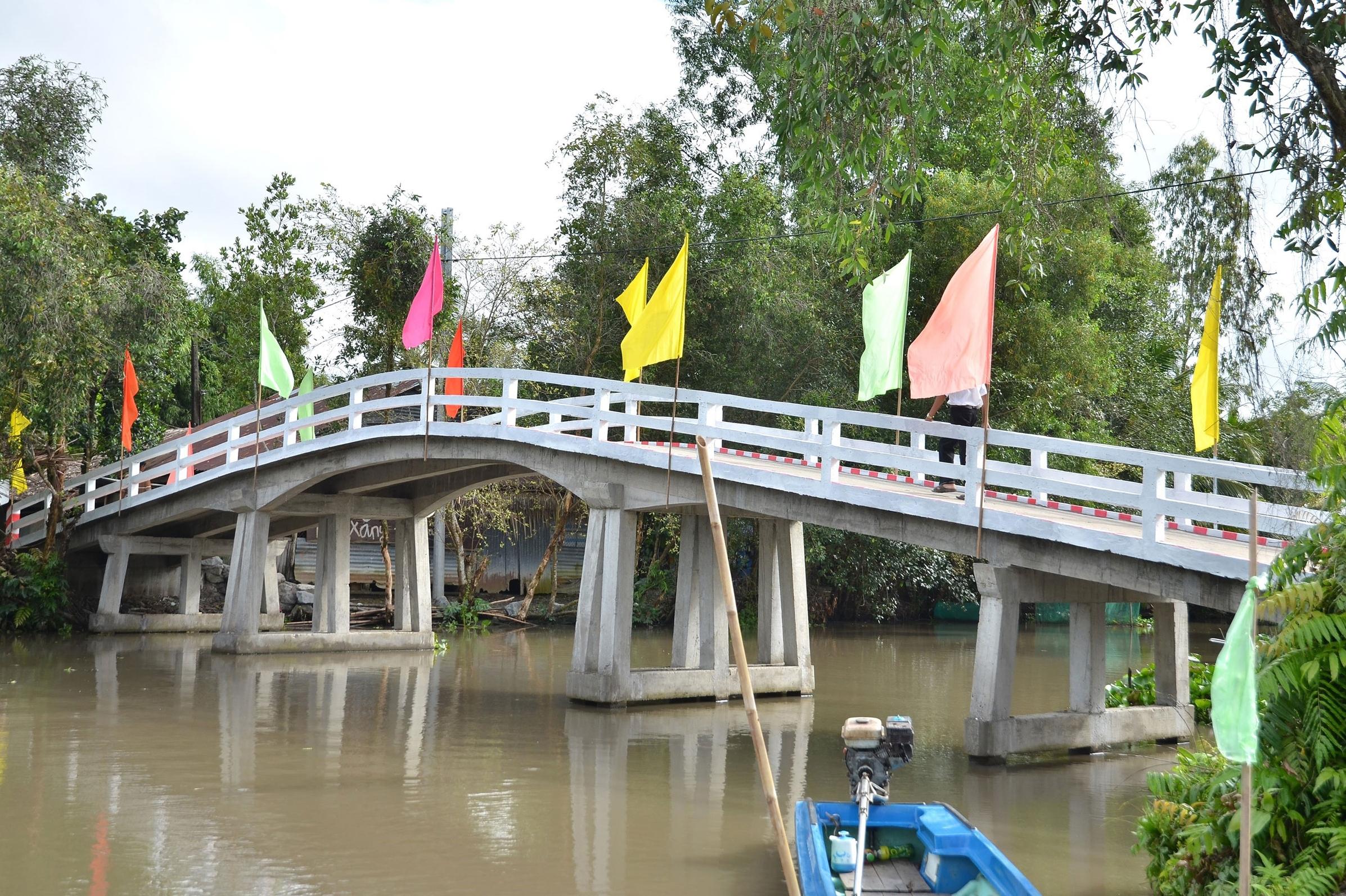 The new concrete 5-tonne bridge
